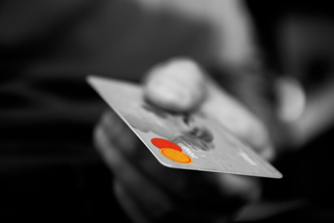 エポスゴールドカードは年会費無料でラウンジも使える夢のカード!メリット・デメリットを詳細解説