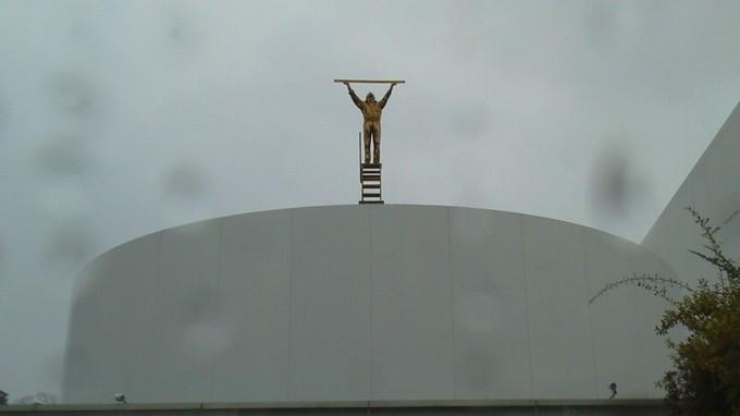雲を測る男-金沢21世紀美術館