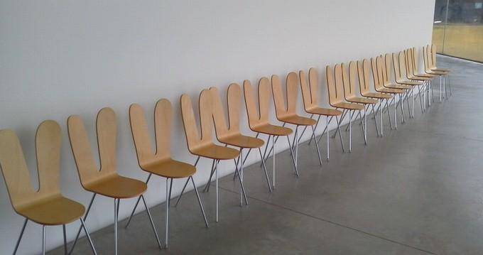 うさぎ椅子-金沢21世紀美術館