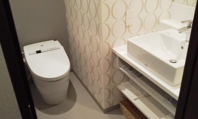 トイレと洗面台-広島ワシントンホテル